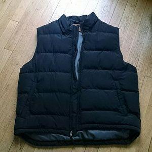 Black puffer vest large